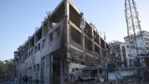 แรงระเบิดสร้างความเสียหายให้กับอาคารบ้านเรือนเป็นบริเวณกว้าง