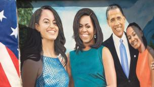 Mchoro mwengine wa rais Obama akiwa na wanao Sasha na Malia pamoja na mkewe Michelle Obama