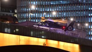 Helicópteros sobrevolando el Puente de Londres