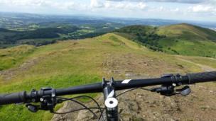 Vista del campo desde una bicicleta