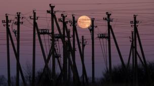 लिथुआनिया के शहर बरबैलिस में चंद्रग्रहण