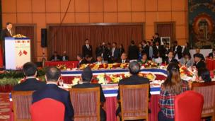 राष्ट्रपति सीले सम्बोधन गर्दै