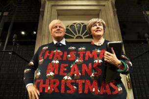 تماثيل شمعية لرئيسة الوزراء البريطانية تريزا ماي، ووزير الخارجية بوريس جونسون