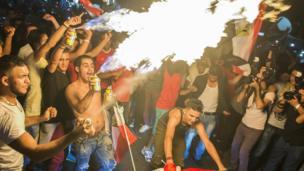 مصريون يحتفلون بصعود المنتخب الوطني لمونديال روسيا 2018