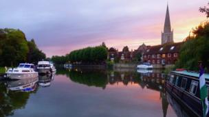 Pink sunset over West St Helen's Quay, Abingdon