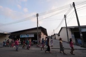 สถานที่แห่งนี้เป็นหนึ่งในชุมชนห้องเช่าของชาวเมียนมาที่เข้ามาทำงานในประเทศไทย