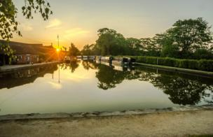 The River Cherwell at Thrupp in the afternoon and sunset