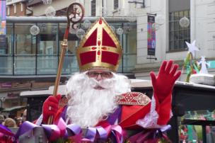 St Nicholas goes through town