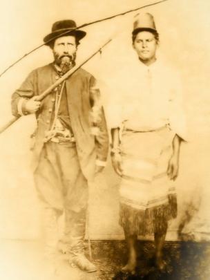 Prisioneiro paraguaio e seu captor brasileiro