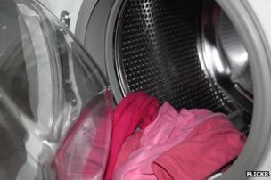 Clothes in a washing machine (Image: Flickr)