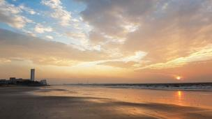 A cold, crisp but gorgeous morning on Swansea beach - and Ashley Williams was there to capture it.