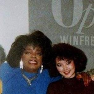 Jenny Đỗ với Oprah Winfrey 1988 khi được Oprah mời lên show