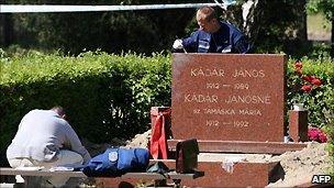 Kadar's grave, May 2007