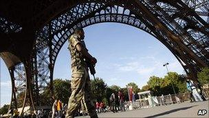 French soldier at Eiffel Tower following bomb threat. 20 Sept 2010