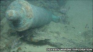 Cannon lies in the HMS Victory shipwreck