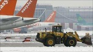 Aircraft on the runway at Gatwick during the snow in January 2010