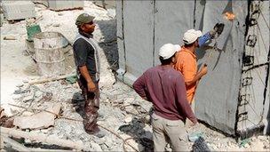 Palestinian builders at work
