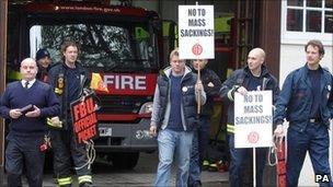 Fire Brigade staff striking at Euston on 1 November