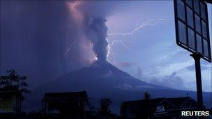 Mount Merapi, 6 November