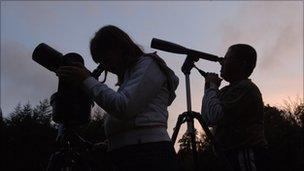 Youngsters with telescopes
