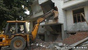 Demolition of illegal building in Delhi