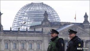 Police patrol the Reichstag, 20 Nov