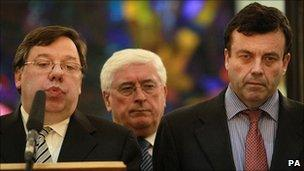 Irish Taoiseach Brian Cowen (left) and Finance Minister Brian Lenihan (right)