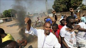 Protests in Bouake, in central Ivory Coast, 4 December 2010.
