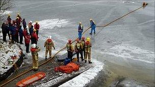 Simulated ice rescue