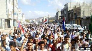 Protesters march through streets of Sanaa