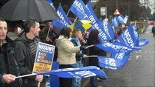 Teachers on strike at John Port school in Etwall
