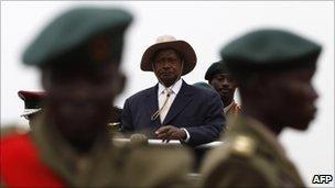 Yoweri Museveni and Ugandan soldiers in Kampala. File photo