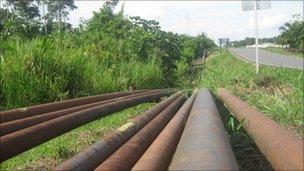 Disused oil pipelines
