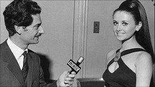 BBC journalist Juan Peirano interviewing fellow Peruvian Madeleine Hartog-Bel at the 1967 Miss World contest