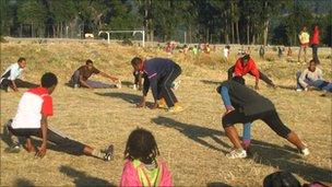 Training with young Ethiopian marathon runners