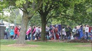 Queue for OsFest