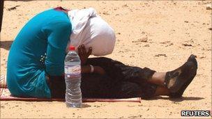 Unidentified woman at the Libyan-Tunisian border