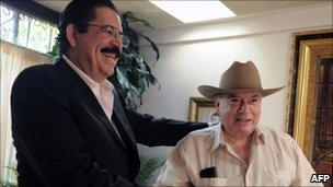 Manuel Zelaya (l) and Jose Miguel Insulza (r)