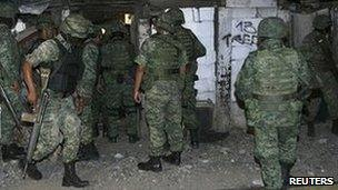 Soldiers in Monterrey on 10 July 2011