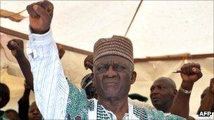 Opposition candidate John Fru Ndi at a campaign rally in Yaounde on 8 October 2011