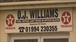 Arwydd Cwmni OJ Williams