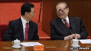 President Hu Jintao (L) and former President Jiang Zemin, 9 October 2011