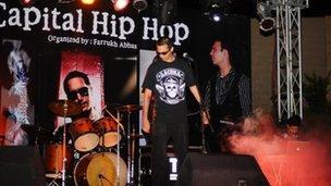 Adil Omar in concert