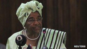 Ellen Johnson Sirleaf speaking in Monrovia 5 November 2011