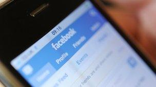 Fake forum comments are 'eroding' trust in the web