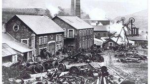Pwll Ferndale yn 1900