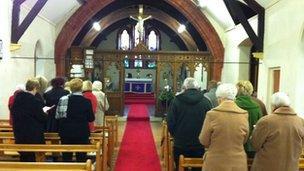Eglwys yr Holl Saint ym Maerdy