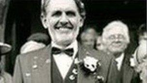 David Tushingham (Islwyn Morris)
