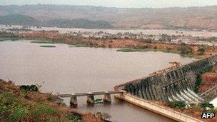 Overall view of the Inga dam