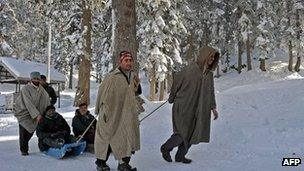 Indian tourists in Gulmarg in January 2012